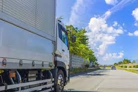 中古トラックの走行距離と寿命の関係は?買い替えのコツも紹介|トラック|シマ商会