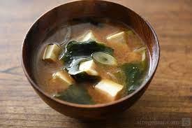 豆腐とわかめの味噌汁のレシピ/作り方:白ごはん.com